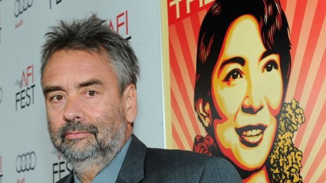 luc-besson-lors-de-la-presentation-de-son-film-the-lady-le-4-novembre-2011-a-hollywood_1103456