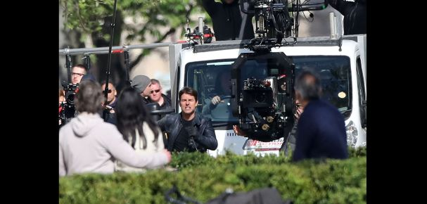 Tom-Cruise-tourne-Mission-Impossible-6-a-Paris_exact1900x908_l